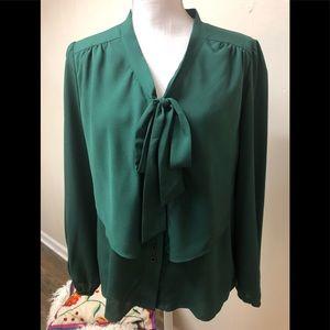 Gianni Bini beautiful Forest Green bow blouse